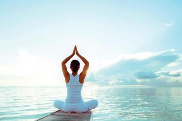 Những lợi ích Yoga trong đời sống vợ chồng